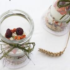 Naturalnie i zdrowo – Chrupiące prażone domowe musli witaminowe z puffingowanymi jagodami goji i puffingowanymi wiśniami